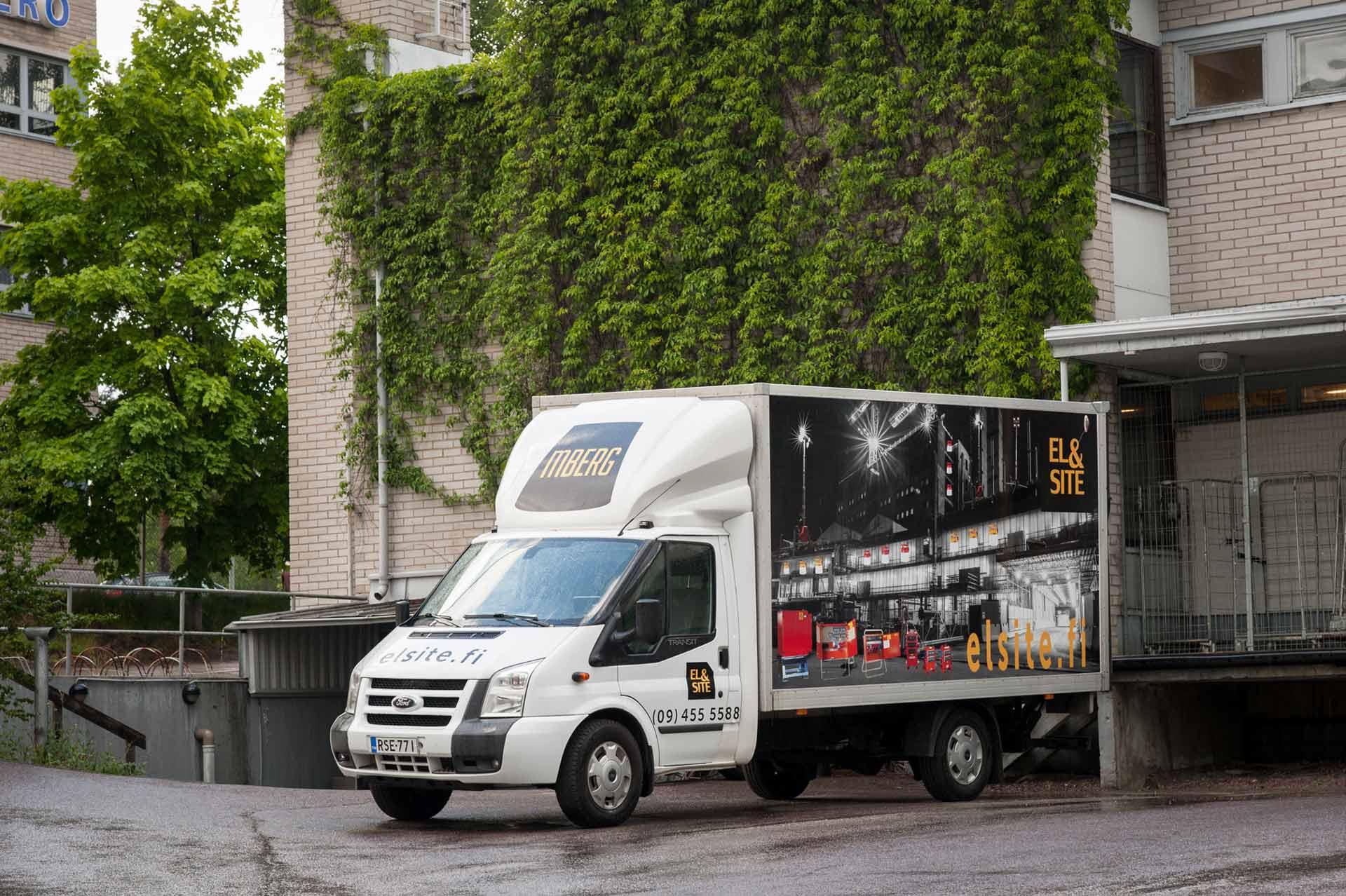 EL & Site -Jakeluautomme kuljettaa kaluston työmaalle nopeasti PK-seudulla